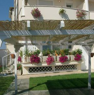 Nice Villa Only 100M From The Beach photos Exterior