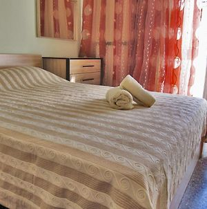 Cozy Apartment In Perea! Only 100M From The Beach! photos Exterior