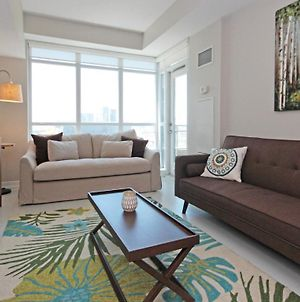 Lovely 2-Bdrm+Den 2-Bath Condo Downtown photos Exterior