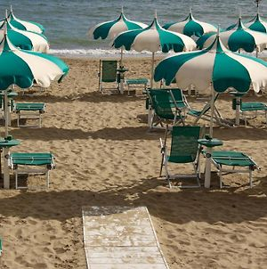 Terracina Sea Front Fantastic Apartment With One Car Private Open Parking photos Exterior