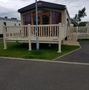 Mini Lodge Hot Tub Hols At Kingfisher Court photos Exterior