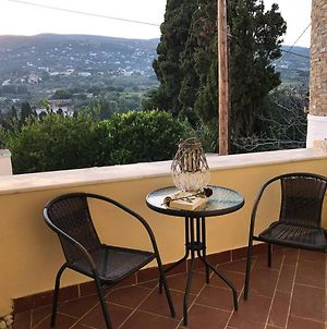 Chill Out Studio In The Leafy Livadia Village photos Exterior