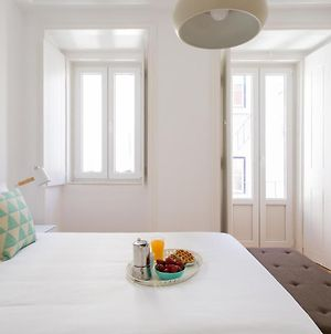 Altido New And Trendy 2-Bed Flat With Seaview In Lapa photos Exterior