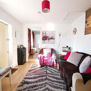 Cosy 1Br Apartment With Excellent Commute, Just 20' From Central London photos Exterior