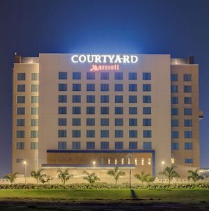 Courtyard By Marriott Surat photos Exterior