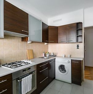 Airport Apartment Kings Bed 24H/ Fv By 404 Rooms & Apartments photos Exterior