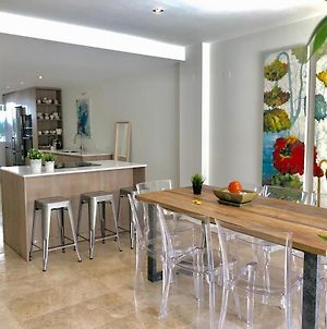 Covd 19 Free- Total Purified - Chic House Marbella - 3 Mm To Puerto Banus And Beach - Golden Mile - Direct Access To Pool And Tropical Garden photos Exterior