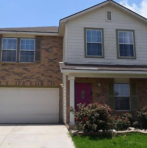 Your Ideal Getaway Home! Close To Utsa & Six Flags photos Exterior