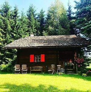 Cozy Log Cabin Near Faaker See photos Exterior