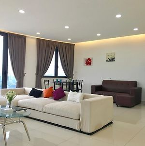 Cozy 3Br Family Suites With Amazing View @ Level39 photos Exterior