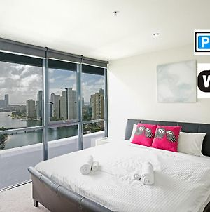 Superb Surfers Paradise Apartment - Top Location! photos Exterior
