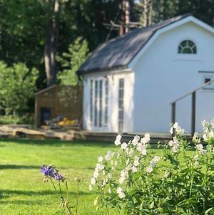 New Mini-Villa By The Creek Close To Stockholm photos Exterior