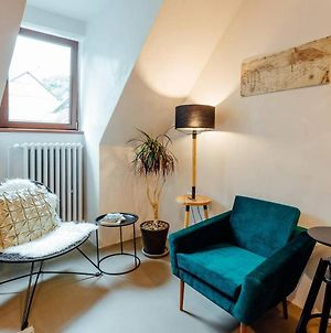 Cozy Blue House Apartment In Heart Of Old Town photos Exterior