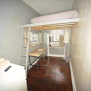 Private Room In A Family Apartment 15 Minutes To Times Square! photos Exterior