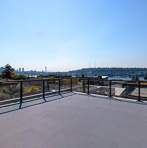 A-Seattle Urban Village- Orcas- Roof Top View Deck photos Exterior