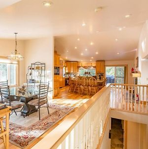 Beautiful 3500Sf Lake Tahoe Home W/ Open Layout photos Exterior