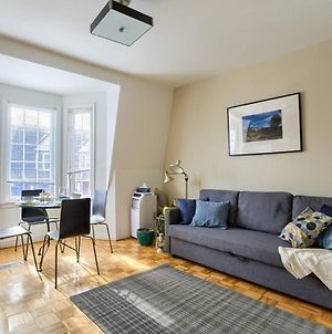 Charming Two Bedroom Apartment! photos Exterior