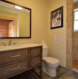 9 Bed Blue Mountain Chalet With Hot Tub - Sleeps 20 photos Exterior