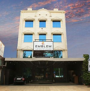 Emblem Hotel Sector 14 Gurgaon photos Exterior