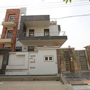 Oyo 9072 Noida Dreamz photos Exterior