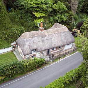 Thatched Cottage, Wherwell In The The Test Valley photos Exterior