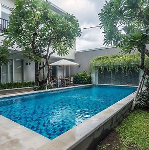 Zen Rooms Seminyak Mertanadi photos Exterior
