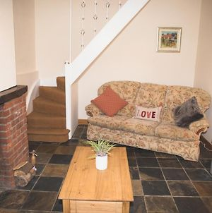Cobbold Row Cottage, Fully Equipped Property Near Framlingham, The Perfect Place To Stay photos Exterior