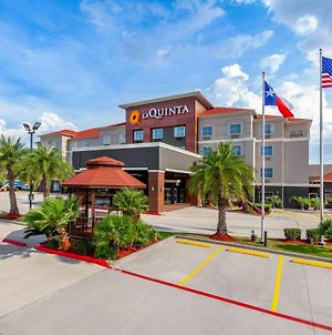 La Quinta Inn & Suites By Wyndham Houston Channelview photos Exterior