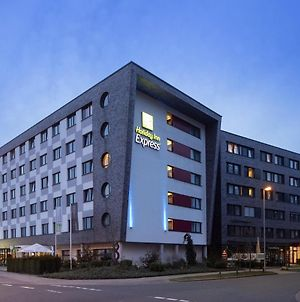 Holiday Inn Express Bremen Airport, An Ihg Hotel photos Exterior