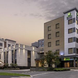 Holiday Inn Express Dublin-Airport photos Exterior