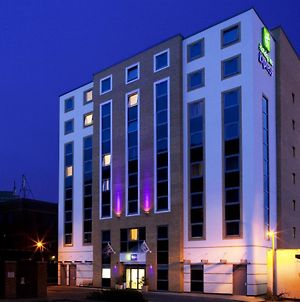 Holiday Inn Express Watford Junction photos Exterior