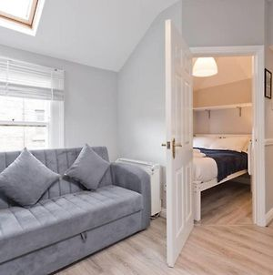 Bright & Cosy 1Br Apt Sleeps 3 In Trendy Area Effh26 photos Exterior