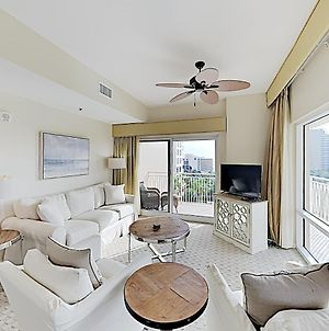 New Listing! Sunset At Luau With Pools & Spas Condo photos Exterior