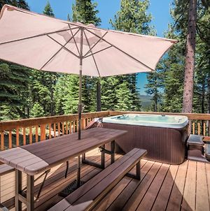 New Listing! Wooded Oasis With Hot Tub & 5 Decks Home photos Exterior