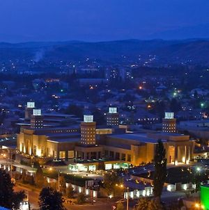 Luxury 3 Room Apt In The Heart Of Dushanbe photos Exterior