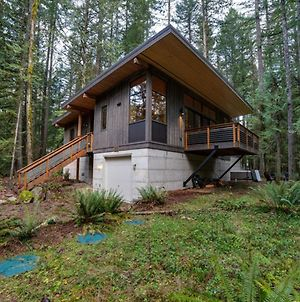 Glacier Springs Cabin #42 - Modern And Rustic All In One...For You And Fido Too! photos Exterior