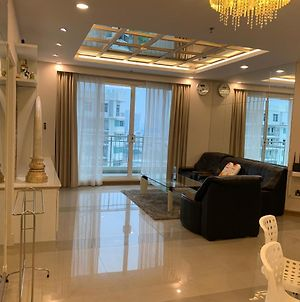 Spacious 2Br-Condo For 4 Guests In Huai Khwang photos Exterior