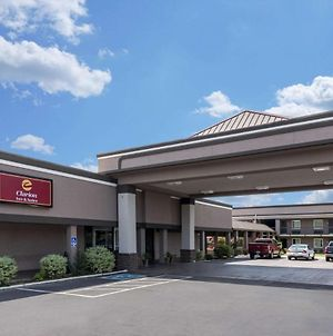 Clarion Inn & Suites Russellville I-40 photos Exterior