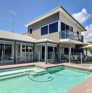 Coorumbong 36 - 6 Bdrm Canal Home With Pool photos Exterior