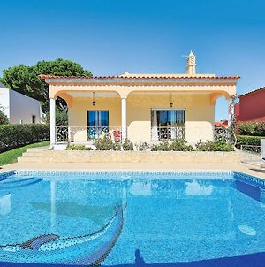 Well-Appointed Villa Is Situated In The Popular Resort Of Vilamoura photos Exterior