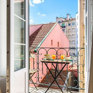 Lovelystay - Sunny Flat W/ Balcony Overseeing Graca And River photos Exterior