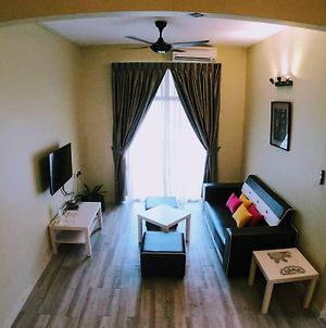 Homestay For 7Pax Near Lost World Of Tambun photos Exterior