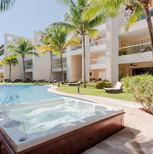 Luxury Poolside Condo photos Exterior