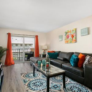 2 Bedroom 2 Bath With Patio On 11Th Collins Ave photos Exterior