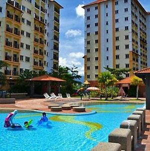 Suria Apartment 7142 Bukit Merah photos Exterior