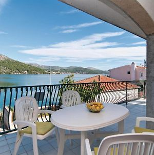 Two-Bedroom Apartment With Sea View In Marina photos Exterior