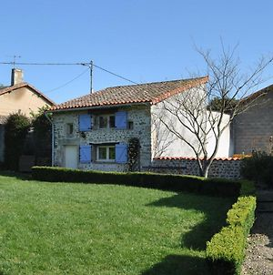 Detached Holiday Home With Above-Ground Pool And Large Garden, Close To Poitiers. photos Exterior