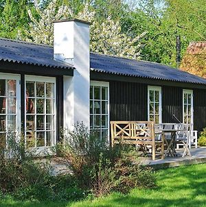 Two-Bedroom Holiday Home In Hornbaek 2 photos Room
