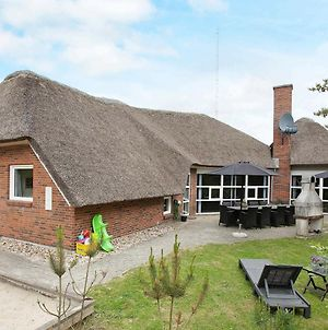 Six Bedroom Holiday Home In Blavand 8 photos Exterior