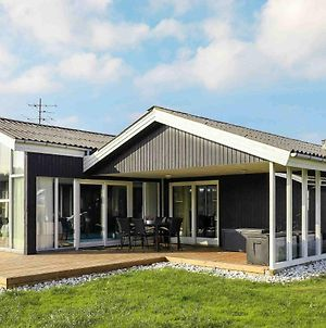 Five-Bedroom Holiday Home In Ringkobing 5 photos Exterior